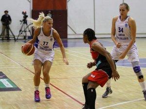 Bilyoner.com Kadınlar Basketbol Ligi'nde Samsun Canik Belediye Bellona Abdullah Gül Üniversitesi'ne Yenildı