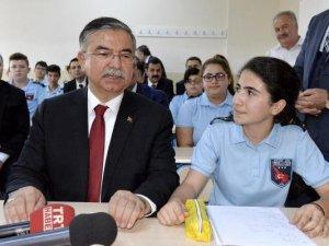 Milli Eğitim Bakanı İsmet Yılmaz, FETÖ'den İhraç Edilen Personel Sayısını Açıkladı