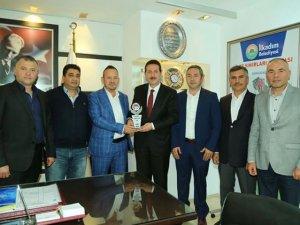 SAYDER Yönetim Kurulu Üyeleri İlkadım Belediye Başkanı Erdoğan Tok'u Ziyaret Etti