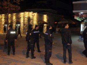 Fenerbahçe ve Galatasaraylı Taraftarlar Arasında Kavga