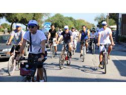 Samsun'da Her Yaştan Bisikletli Pedal Çevirdi
