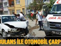 Samsun'da Ambulans İle Otomobil Çarpıştı