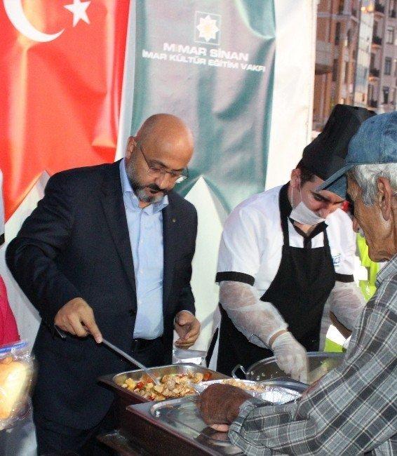 Demokrasi Nöbetlerinde Yemek Veren İşadamı Serdar İnan Gözaltına Alındı