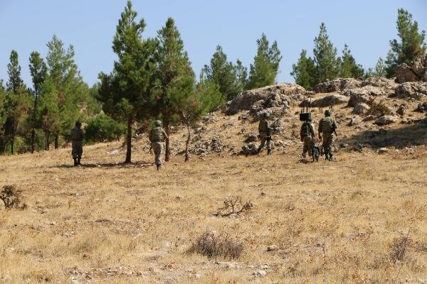 PKK'lılar Adıyaman'da GSM Vericilerini Yaktı
