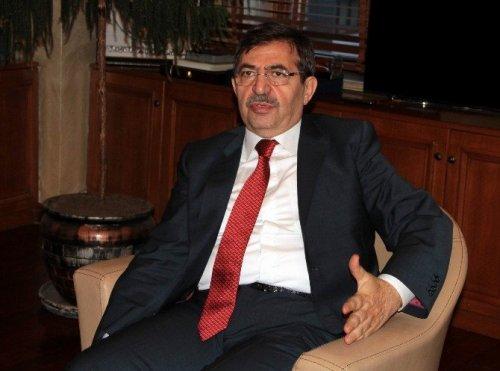 """Bakan Güllüce: """"Milletvekilleri Ay Sonunu Zor Getiriyor"""""""