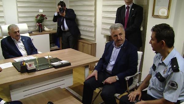 Başbakan Binali Yıldırım Çengelköy Polis Merkezi'ni Ziyaret Etti