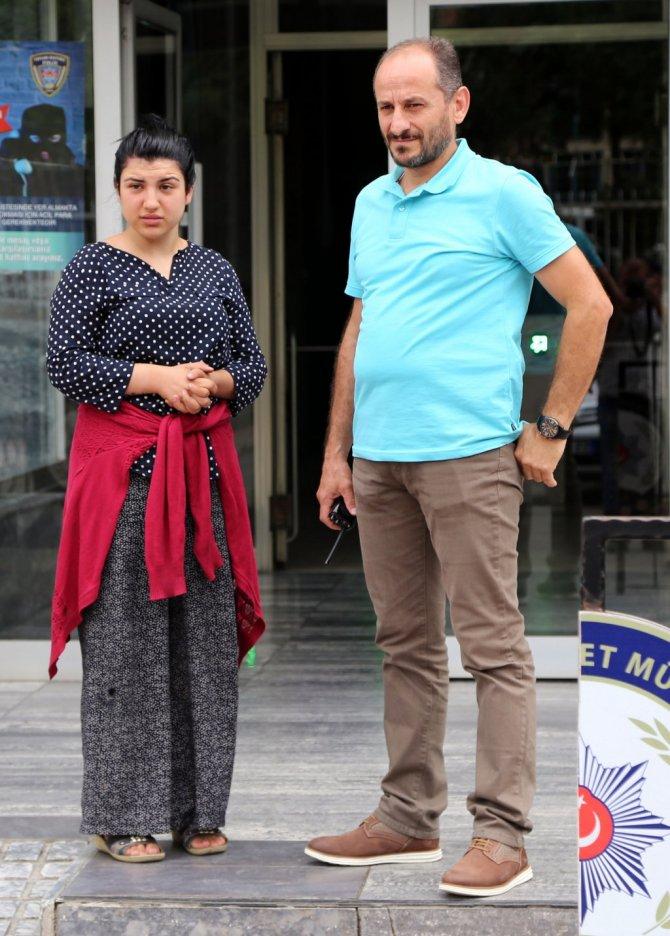 Samsun'da Genç Bir Kız Amcasını Bıçakla Yaraladı