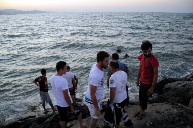 Samsun'da Boğulma Tehlikesi Geçiren Çocuğu Kurtarmak İsterken Boğuldu