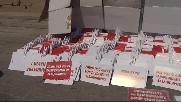 Taksim'deki Cumhuriyet Ve Demokrasi Mitingi İçin Herşey Hazır