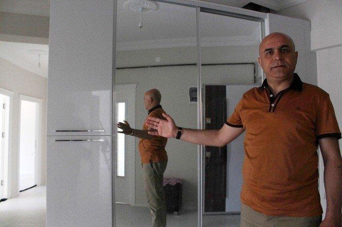 Darbe Girişiminde Şehit Olan Polislerin Ailelerine Ev Hediye Edildi