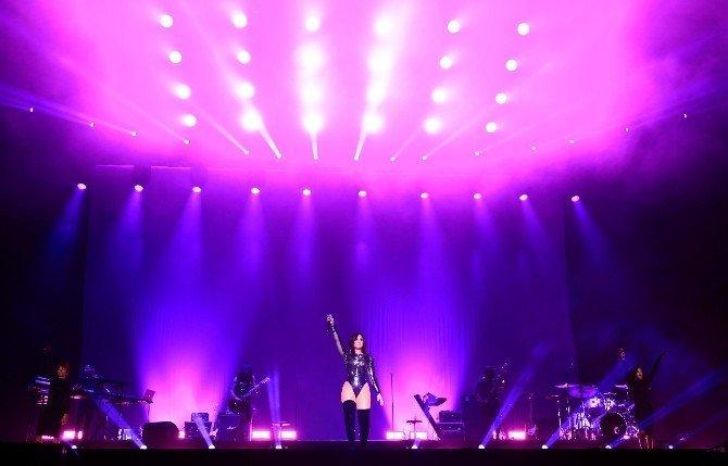 Demi Lovato EXPO 2016'yı Salladı