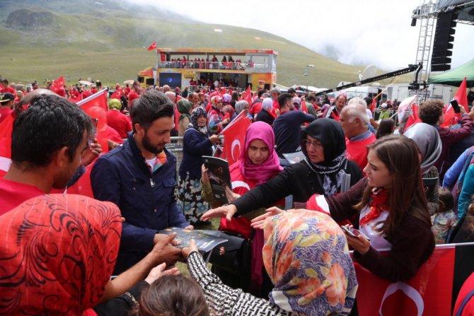 """Rize'de 2 Bin 640 Rakımlı Dağda """"Demokrasi Şöleni"""""""