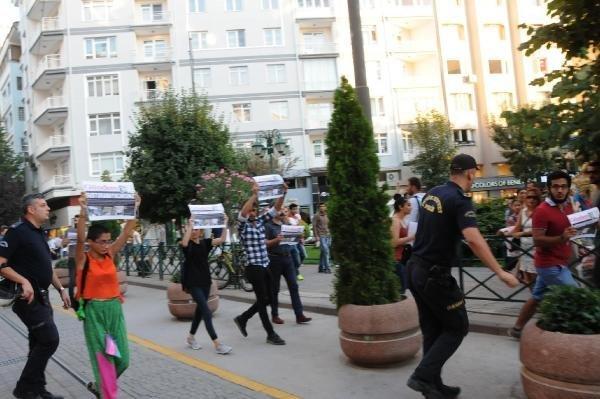 Özgür Gündem'in Kapatılmasını Protesto Eden 11 Kişiye Gözaltı