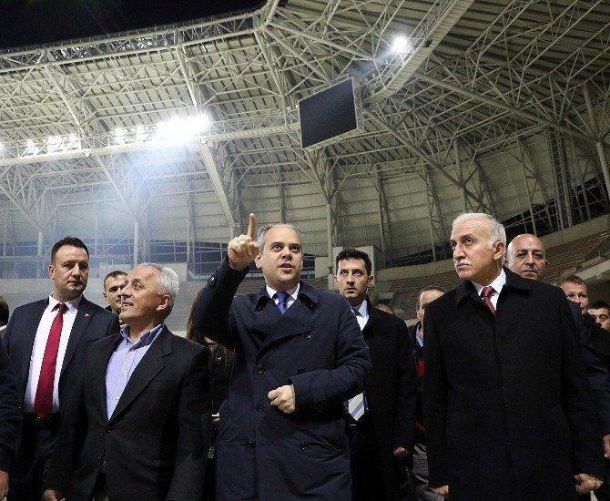 Bakan Çağatay Kılıç Samsun'da Stat İnşaatını İnceledi