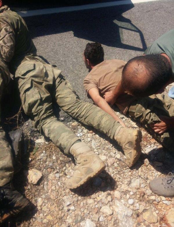 Darbeci Askerlerin Fotoğrafları 'Acil' Koduyla Dağıtıldı