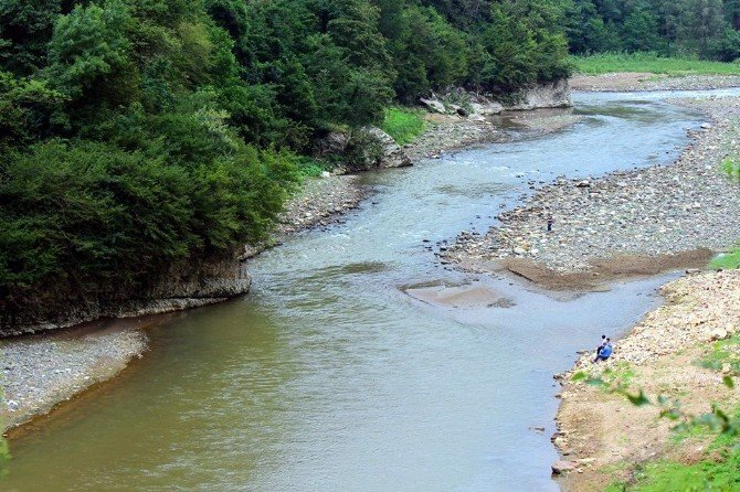 Bolaman Irmağı Güzelliği İle Büyülüyor