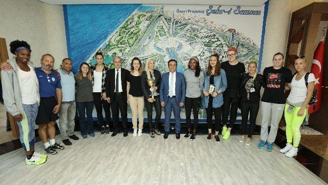 Samsun Canik Belediyespor Kupayı Başkan Genç'e Getirdi