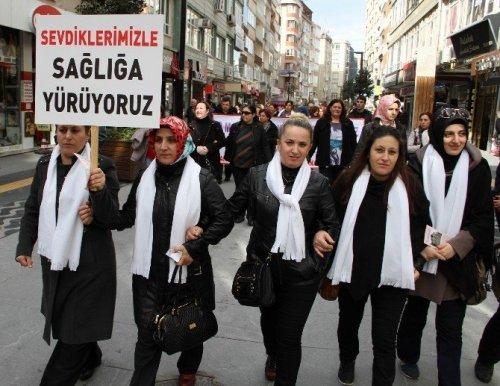 Sağlık Çalışanı Kadınlara Yönelik Şiddetin Önlenmesi İçin Yürüdüler