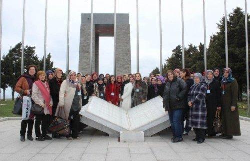 Tekkeköylü Kadınlar Şehitler Diyarı Çanakkale'den Döndüler