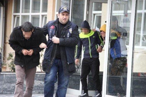 'Yan Bakma' Cinayetinde 4 Tutuklama