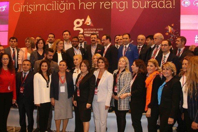 """Zenginlik ve Refaha Giden Yolda """"Girişimcilik"""" Trabzon'da Konuşuldu"""