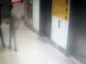 İstanbul Atatürk Havalimanı'na Saldıran Canlı Bomba Polis Memurunu Böyle Vurdu